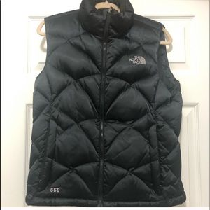 The North Face 550 Vest like new conditions